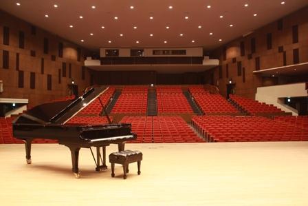 平成27年度 夏休み企画<BR>春日井市民会館 スタインウェイピアノ開放します!