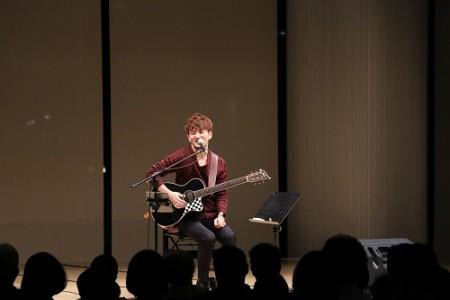 【FORUM PRESSレポーター】夜コン特別編 Special Concertアコースティックに染まる秋夜出演 井草聖司(ギター)